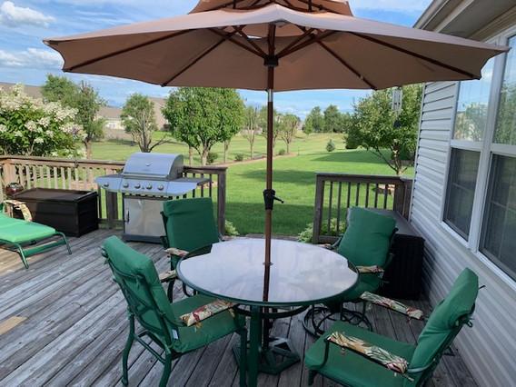 Dawn's patio 1 chair.jpg