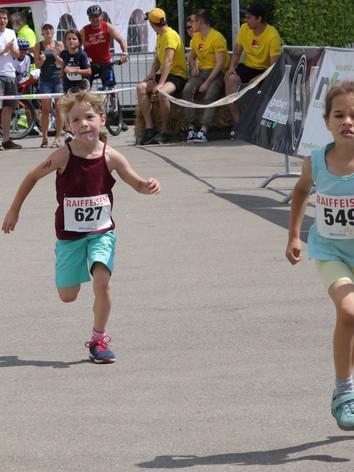 kids run 2.jpg