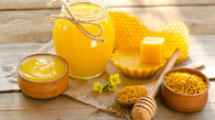 ORGANIC BEESWAX IN SKINCARE: HOW TO ACHIEVE A HEALTHY AND GLOWING SKIN