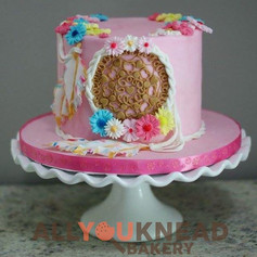 Dream Catcher Cake 🌺🎁🎀.jpg