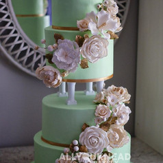 How beautiful is this wedding cake_! 😍?