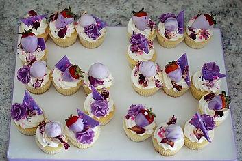 Loving this cupcake cake craze !! Lucky