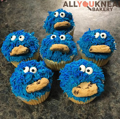 Cookie Monster Cupcakes eating Mini Cook