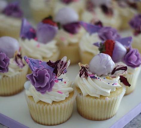 Super Pretty Cupcakes Got Us Like 😍😍 !