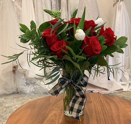 Classic Valentine's Day Arrangement