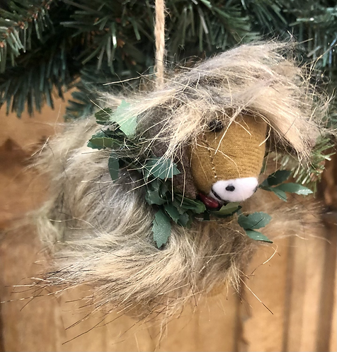 Highland Cow with Wreath tree decoration, woolly.