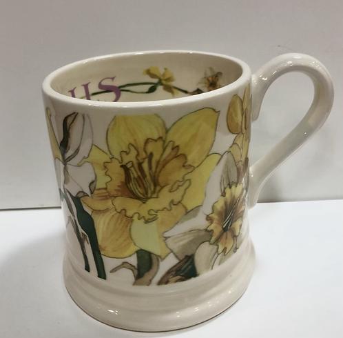 Daffodils half pint mug