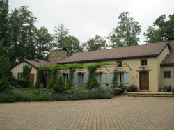Mountain residence front arbor