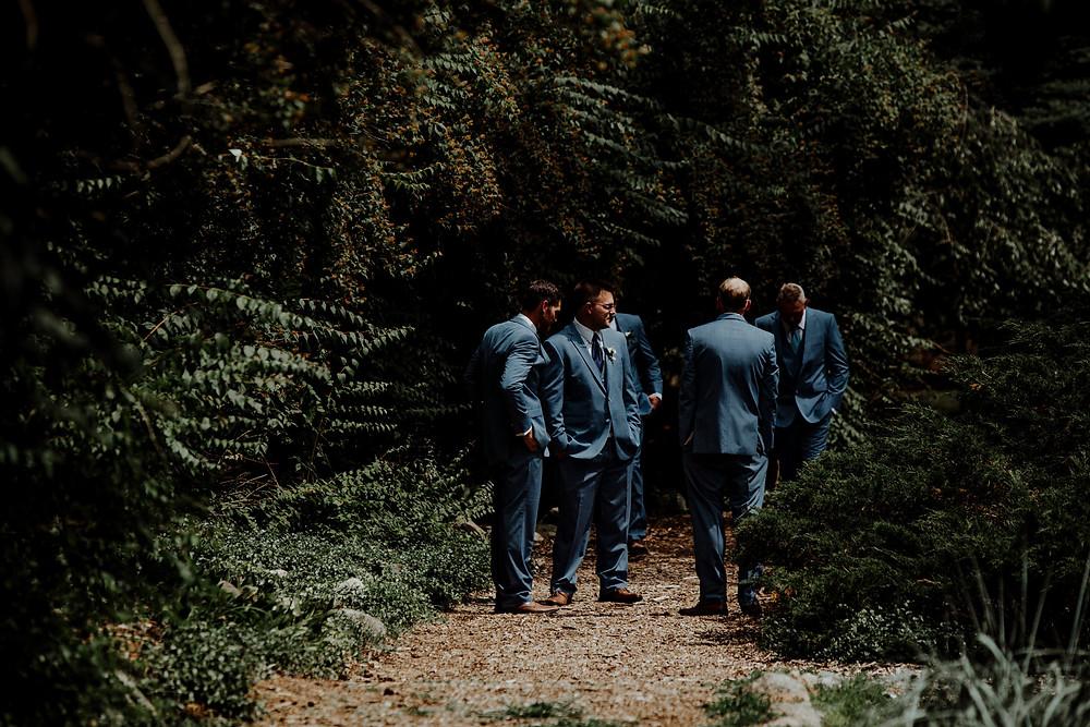 rustic wedding barn photos taken by detroit wedding photographer little blue bird photography in allen michigan