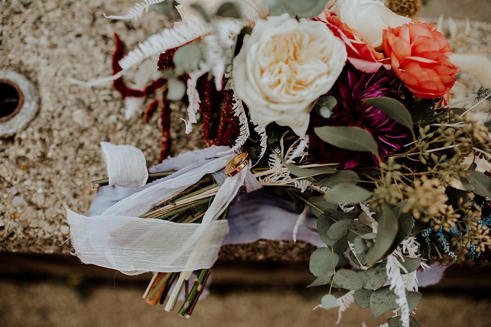 boho wedding flowers. photo taken by detroit area wedding photographer, little blue bird photography.