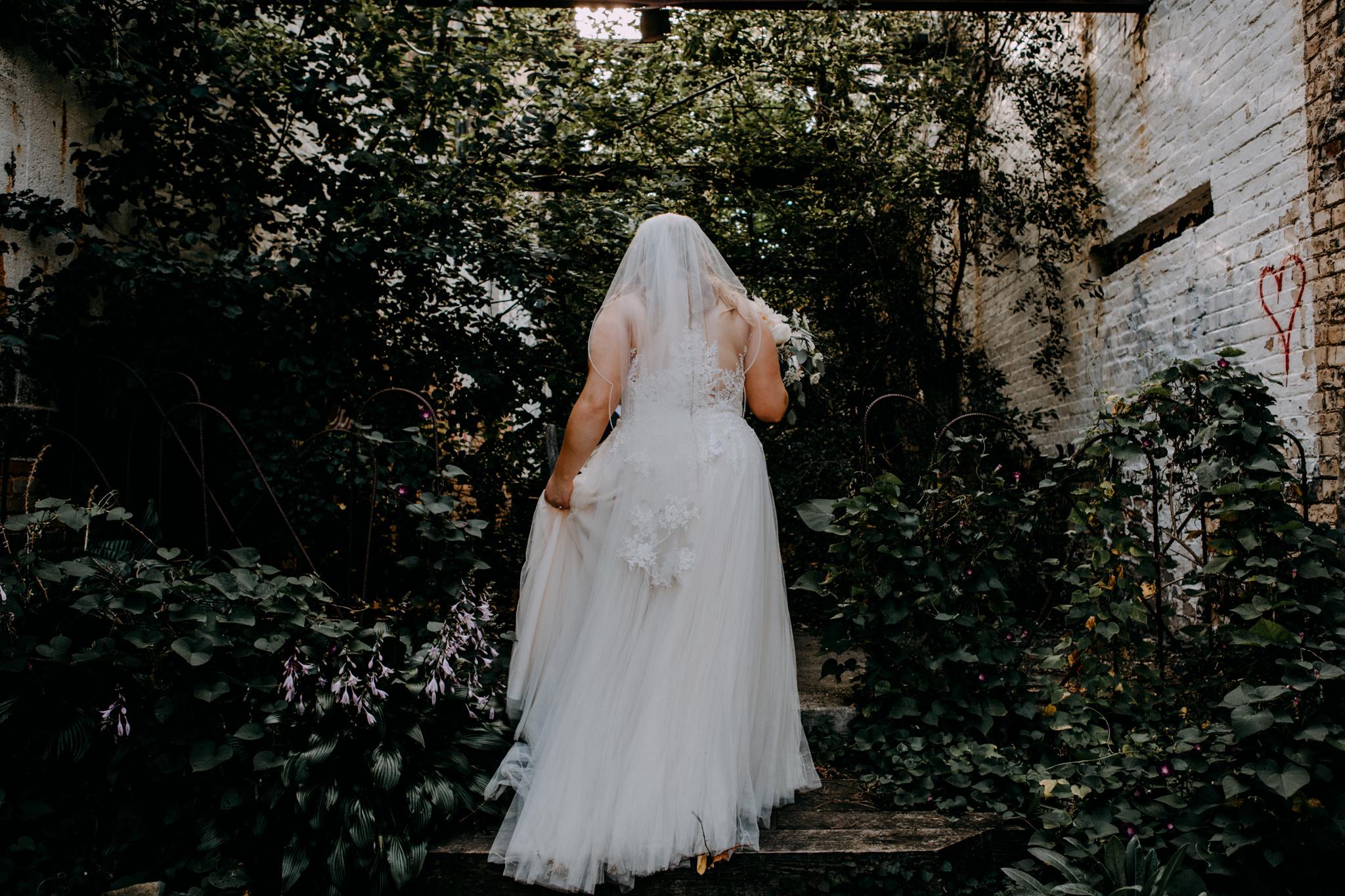 alternative wedding photo