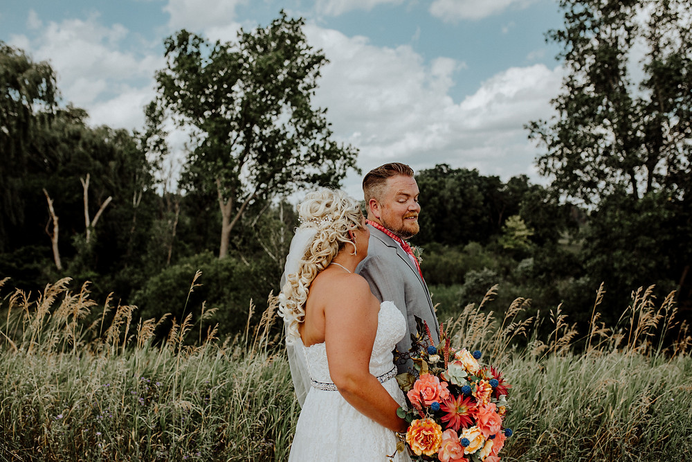 first look photos by detroit area wedding photographer little blue bird photography in somerset, michigan