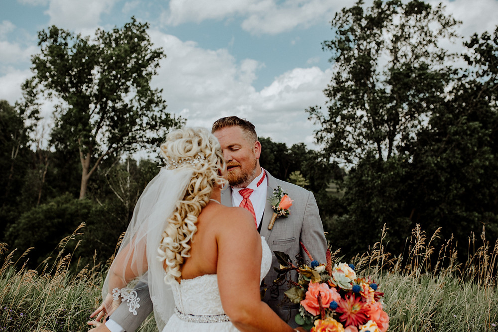 first look wedding photos by detroit wedding photographer little blue bird photography in somerset michigan