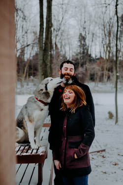 engagement_photos_with_dogs