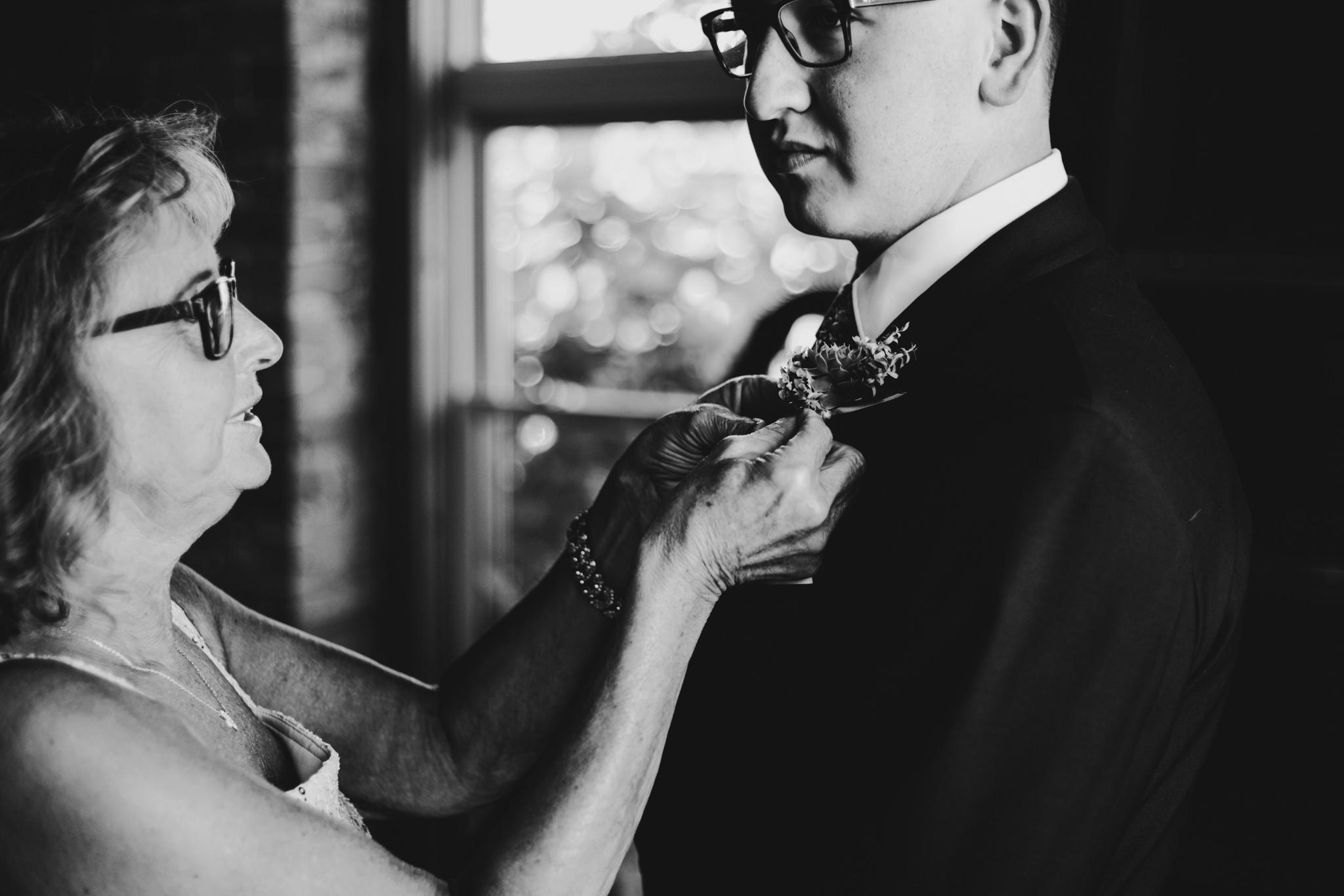 candid wedding photos