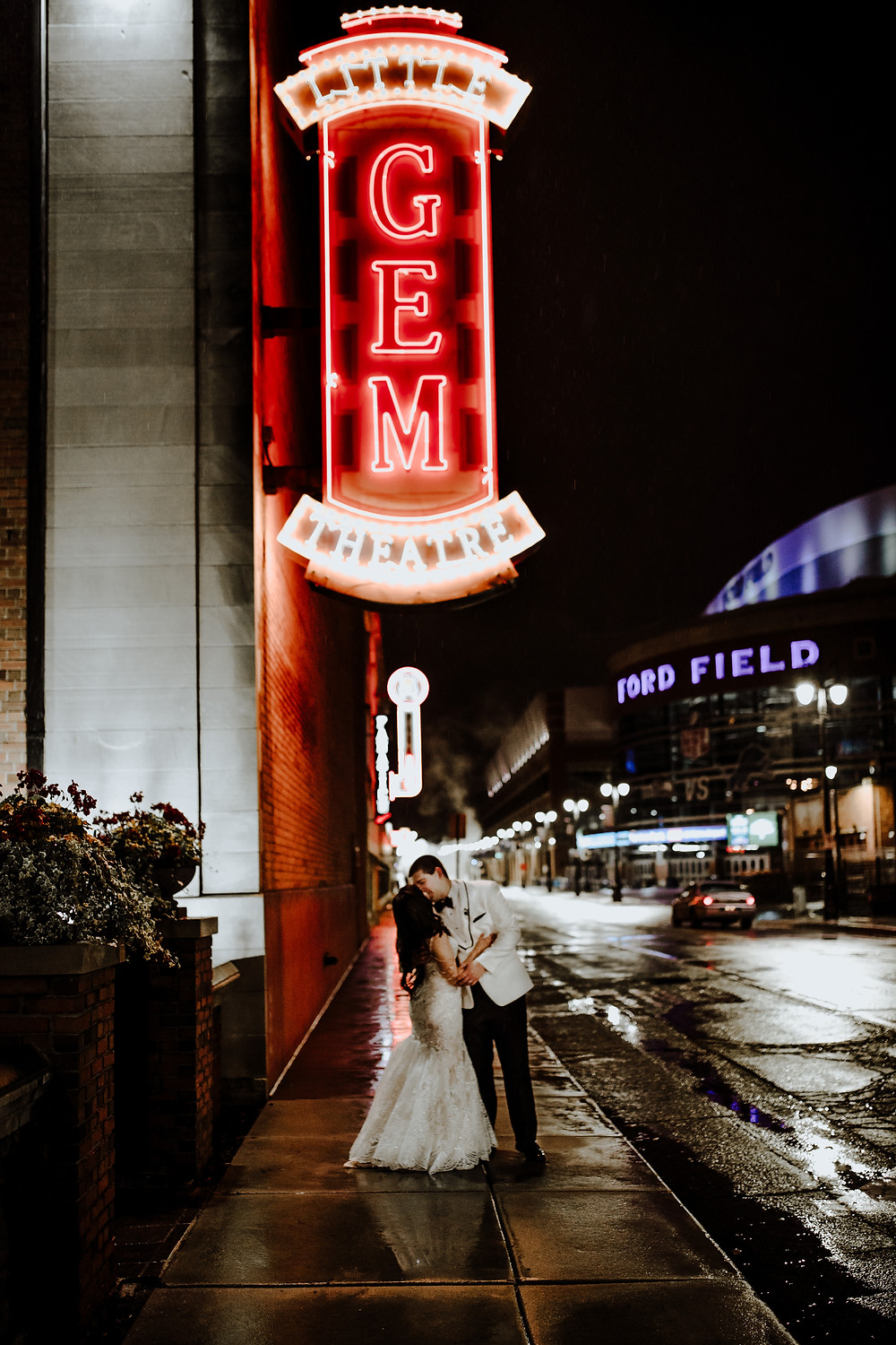 wedding photo taken outside the gem theater in detroit. taken by little blue bird photography.