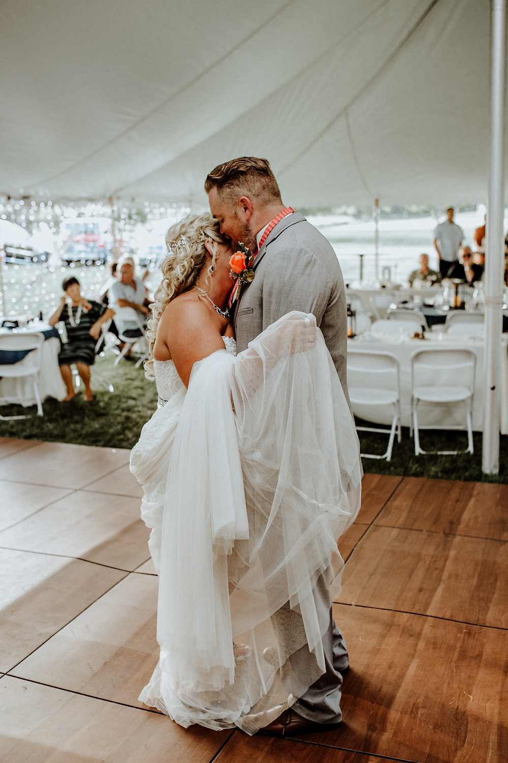 first dance wedding photo by detroit area wedding photographer little blue bird photography