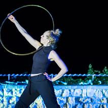 08_hula-hoop-show.jpg