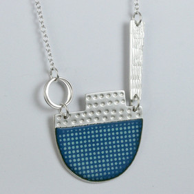 Island tidal neckpiece