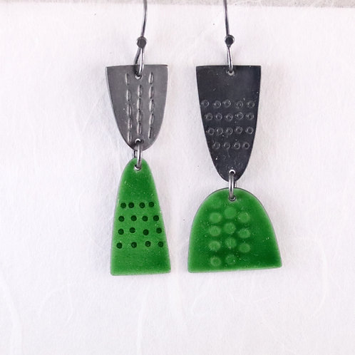 Leonora Earrings Dangly - Green