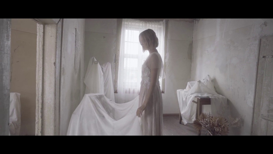 FIND A WAY - to Overcome Nostalgia  PART 1 ( Fashionclip) Esther Hofmann bridal design 2019