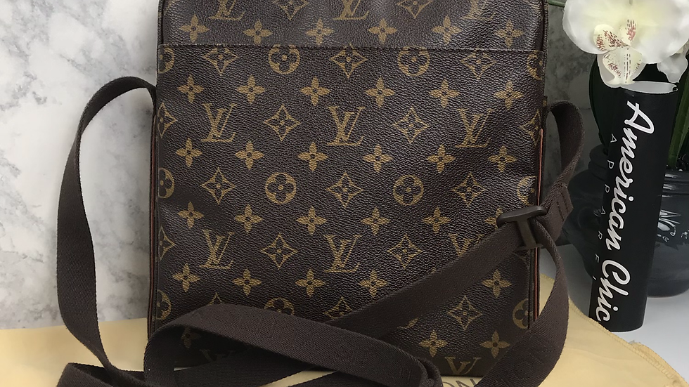 Authentic Louis Vuitton Monogram Trotteur Beaubourg Crossbody Bag
