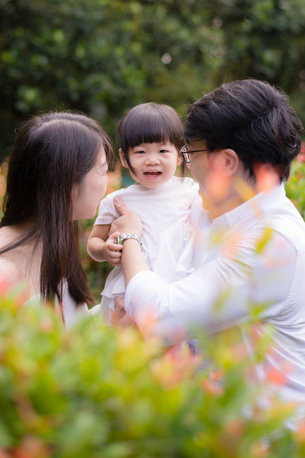 family photoshoot at singapore botanic garden