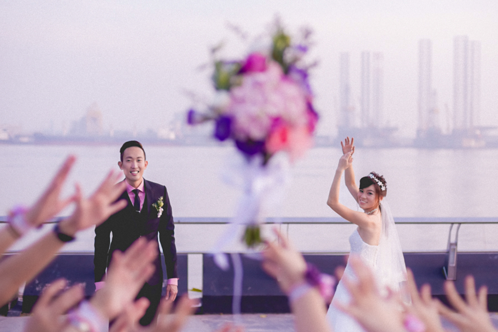 wedding day photography toss