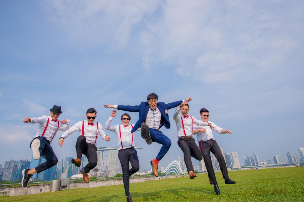 groom and brothers marina barrage wedding day photography