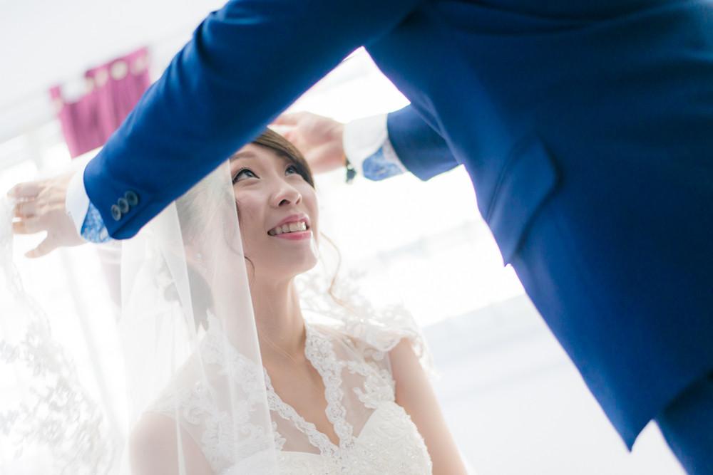 gate crash wedding day photography