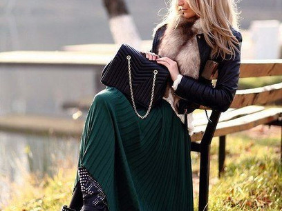 How to Wear a Maxi Skirt in the Winter