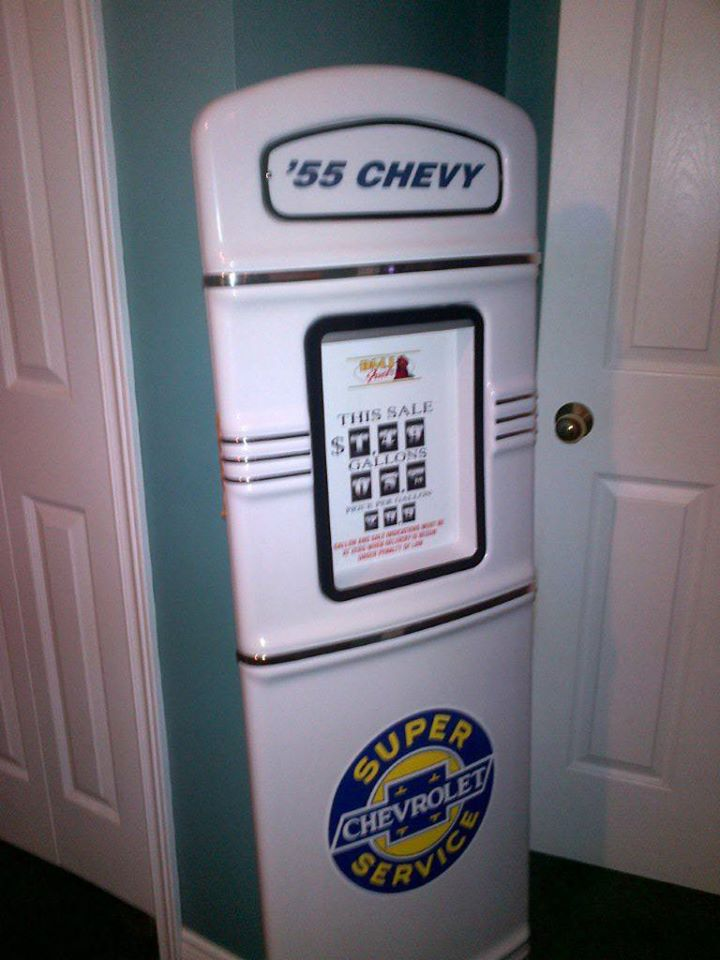 1955 Chevy gas pump