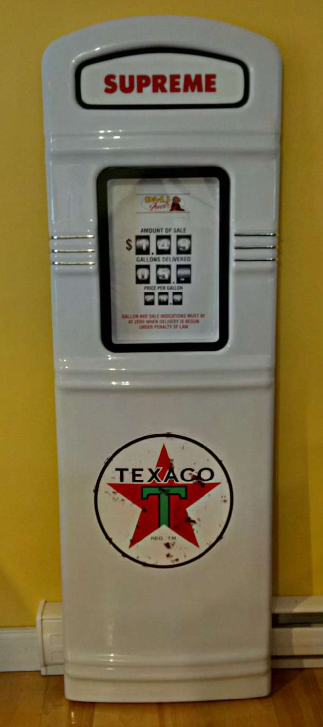Texaco Star gas pump