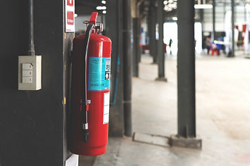 closeup-red-fire-extinguisher_41050-1320