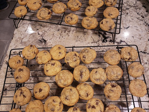 Right Relief Chocolate Chip Cookies