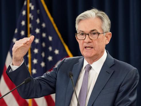 Fed cảnh báo thị trường chứng khoán có thể giảm mạnh khi định giá tăng
