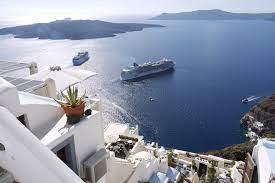 Giới nhà giàu ùn ùn đi nghỉ hậu Covid, cảng Hy Lạp (Greece) đông nghẹt siêu du thuyền