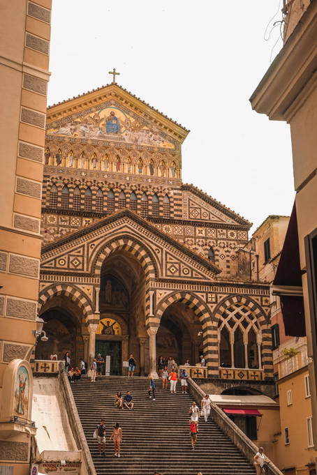 Medieval Italian architecture of the Amalfi Cathedral | architecture photography by RollingBear Travels.