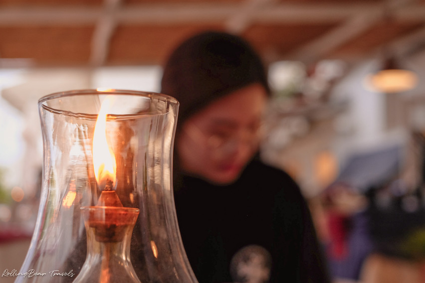 il Capitano Restaurant ambience: a candle flame | RollingBear Travels.