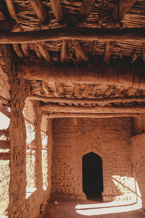 Ait-Ben-Haddou: Traditional straw ceiling and earthen architecture | RollingBear Travels.