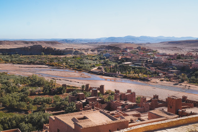 Game of Thrones film set: Overall view of the Ksar and the Ouarzazate, Morocco | RollingBear Travels.