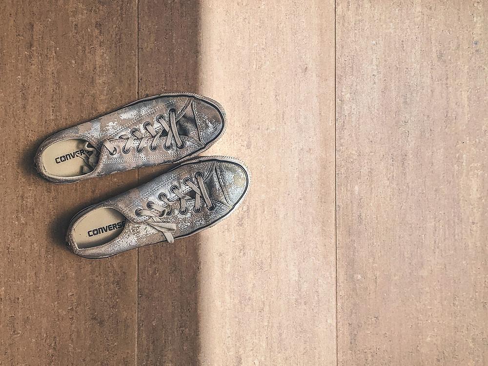 Vintage Converse sneakers, Rollingbeartravels blog