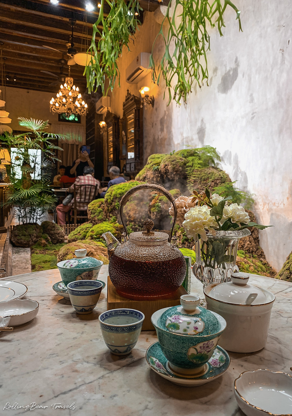 Chinese tea served in heritage Peranakan dining style at Bao Teck Teahouse | RollingBear Travels photography.
