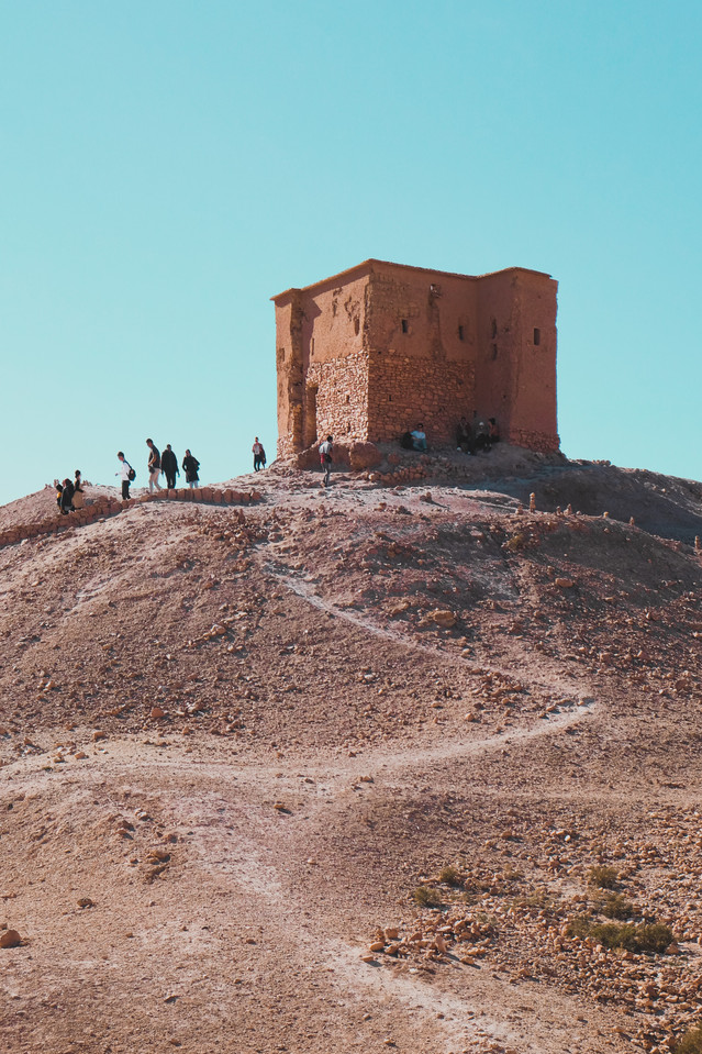 Ait-Ben-Haddou travel experience : Remains of the agadir atop a hill | RollingBear Travels.