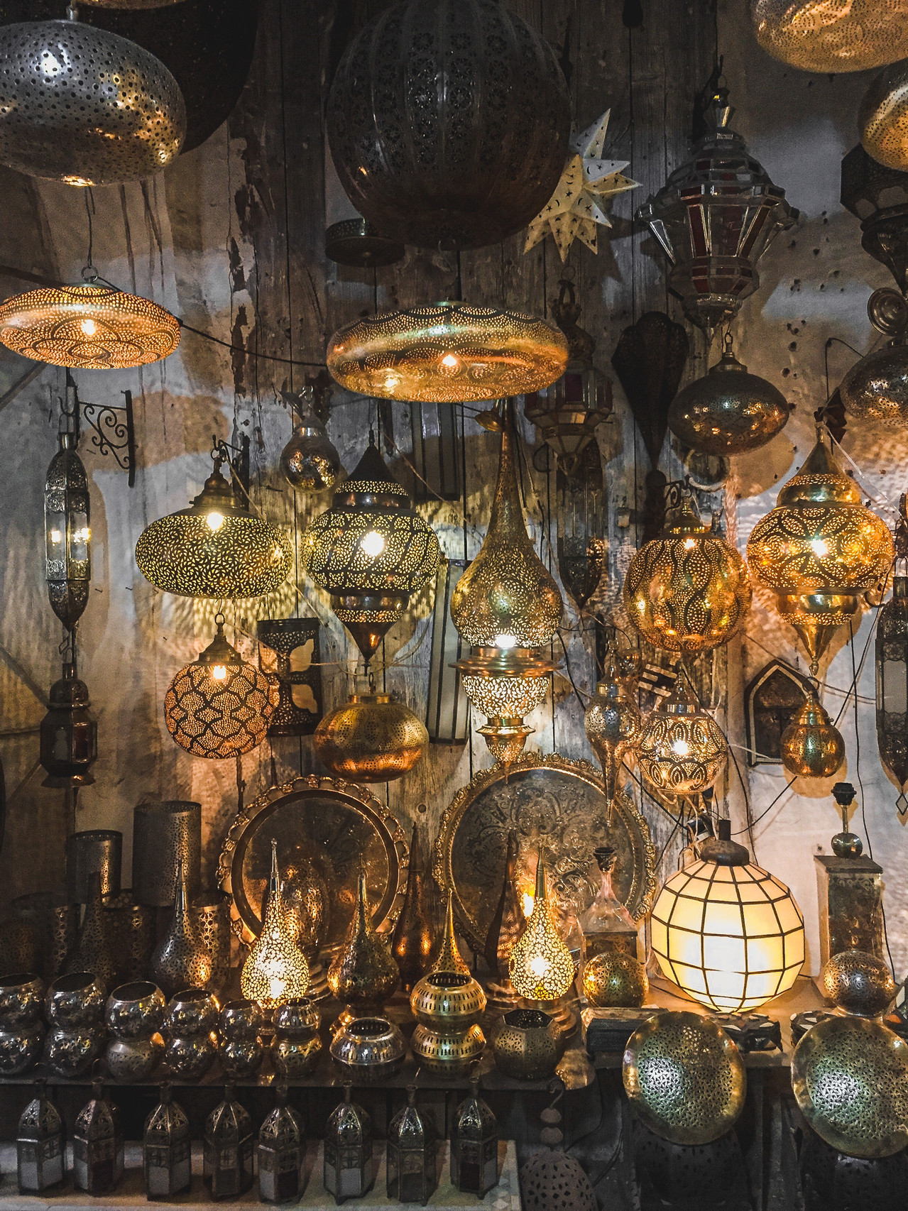 Medina Souks: Gold Islamic-patterned Moroccan lamps | RollingBear Travels