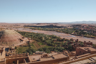 Top view of the Ksar and the Ouarzazate, Morocco | RollingBear Travels.