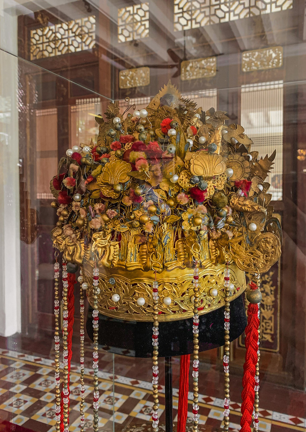 Antique Peranakan bridal headdress / RollingBear Travels.