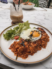 Food photography: Kimchi fried rice, 815 Paliro food menu | RollingBear Travels.