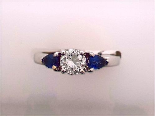 Diamond & sapphire 3 stone