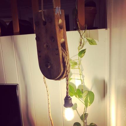 Flaschenzuglampe von Art.Life.Wood